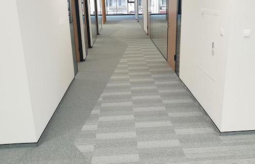 wykładziny dywanowe korytarz biuro br